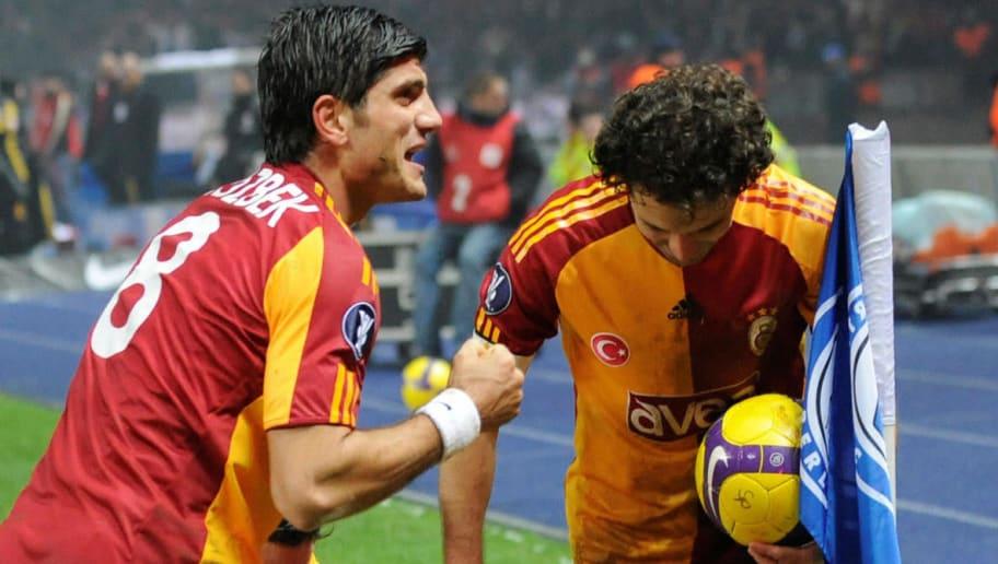 Galatasaray's players celebrate after Cz