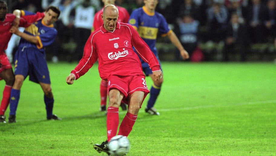 16 May 2001:  Gary McAllister of Liverpool scores from the penalty spot during the UEFA Cup Final against Deportivo Alaves at the Westfalenstadion in Dortmund, Germany. Liverpool won 5-4 after extra-time. \ Mandatory Credit: Clive Brunskill /Allsport