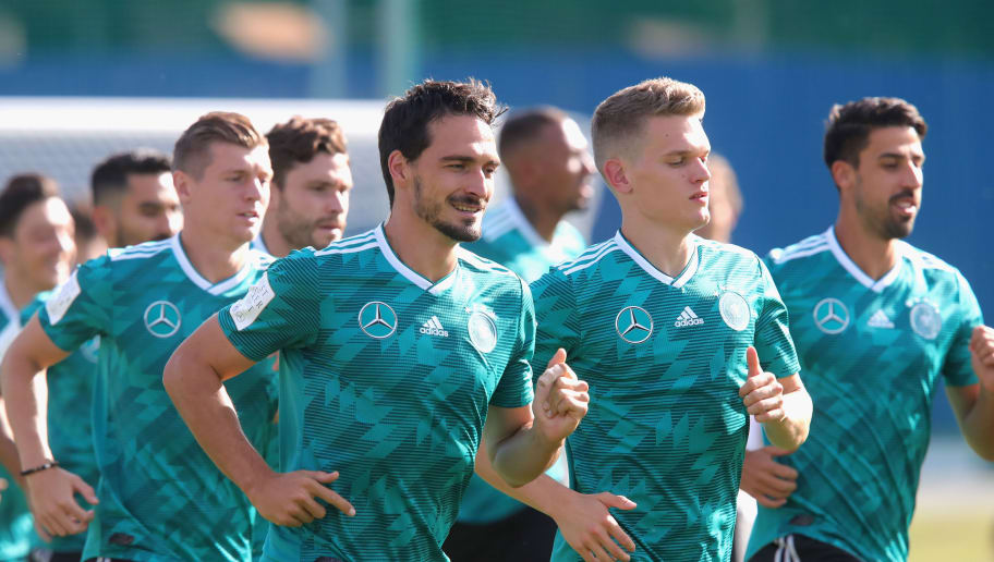 MOSCOW, RUSSIA - JUNE 25:  Mats Hummels (C) of Germany rusn with his team mates during the Germany Training Session at ZSKA Vatutinki Sportarena on June 25, 2018 in Moscow, Russia.  (Photo by Alexander Hassenstein/Getty Images)