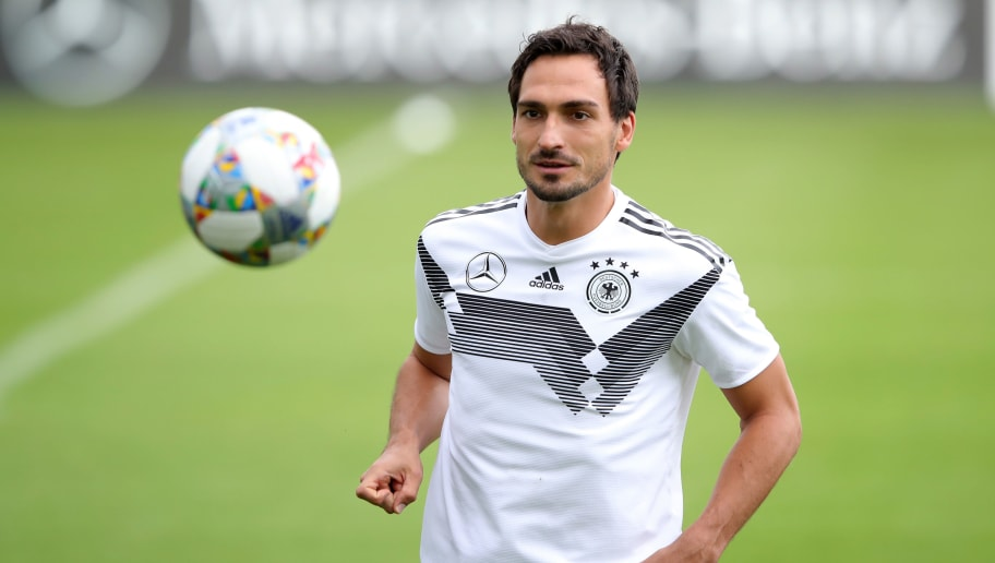 MUNICH, GERMANY - SEPTEMBER 04:  Mats Hummels of Germany plays with the ball during a team Germany training session at Bayern Muenchen Campus on September 4, 2018 in Munich, Germany.  (Photo by Alexander Hassenstein/Bongarts/Getty Images)