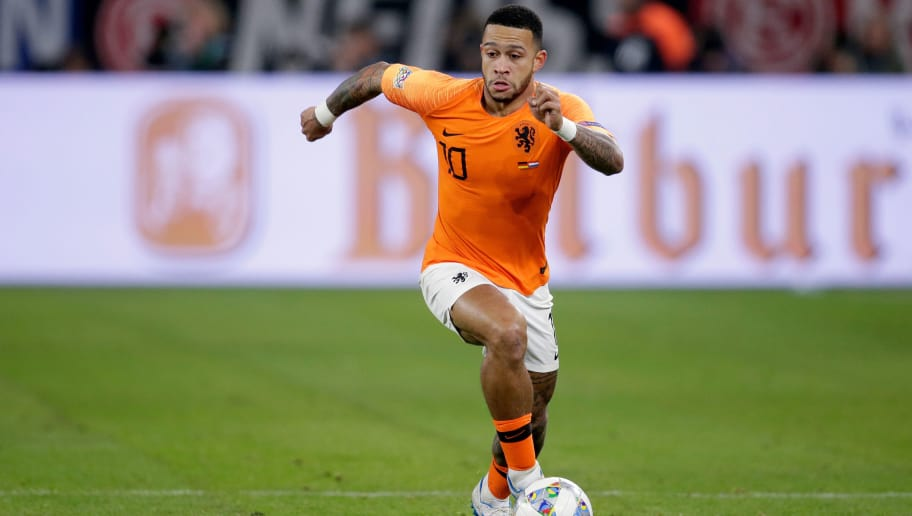 GELSENKIRCHEN, GERMANY - NOVEMBER 19: Memphis Depay of Holland during the  UEFA Nations league match between Germany  v Holland  at the Veltins Arena on November 19, 2018 in Gelsenkirchen Germany (Photo by Laurens Lindhout/Soccrates /Getty Images)