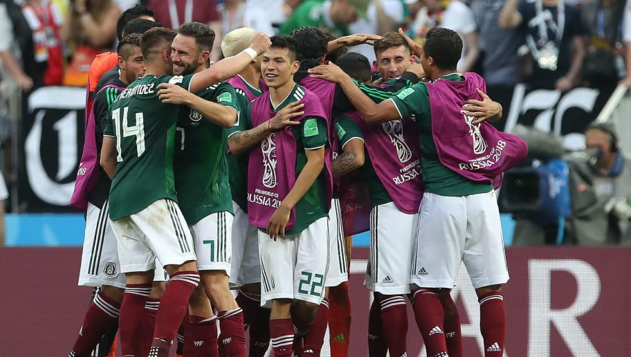 MOSCOW, RUSSIA - JUNE 17: Mexico players celebrate at full time during the 2018 FIFA World Cup Russia group F match between Germany and Mexico at Luzhniki Stadium on June 17, 2018 in Moscow, Russia. (Photo by Ian MacNicol/Getty Images)