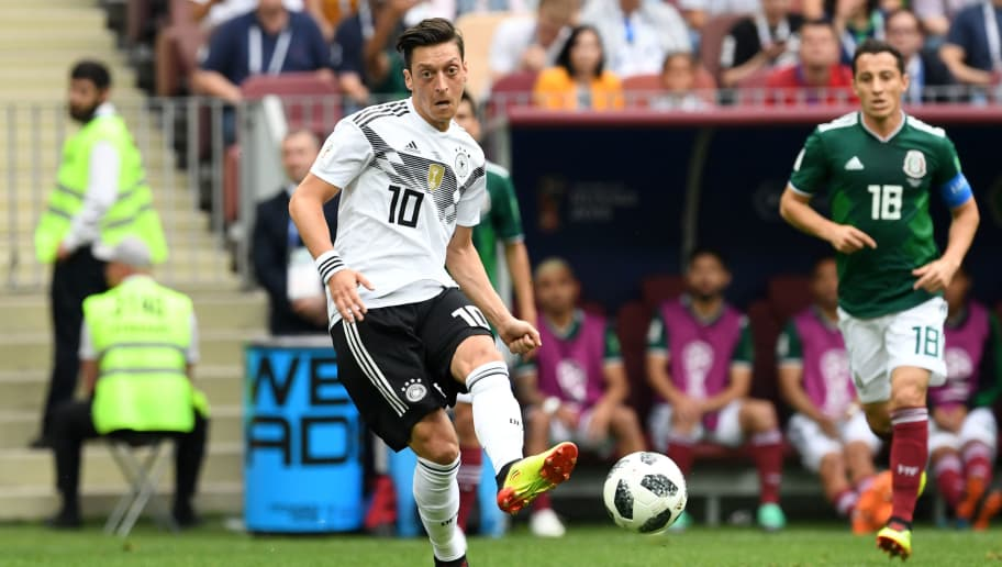 MOSCOW, RUSSIA - JUNE 17: Mesut Oezil of Germany in action during the 2018 FIFA World Cup Russia group F match between Germany and Mexico at Luzhniki Stadium on June 17, 2018 in Moscow, Russia. (Photo by Etsuo Hara/Getty Images)
