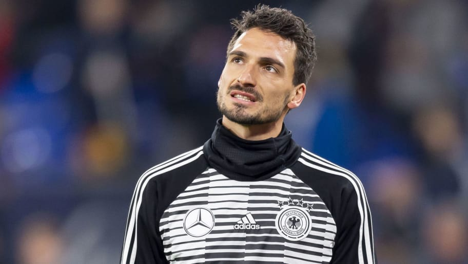 GELSENKIRCHEN, GERMANY - NOVEMBER 19: Mats Hummels of Germany looks dejected during the UEFA Nations League A group one match between Germany and Netherlands at Veltins-Arena on November 19, 2018 in Gelsenkirchen, Germany. (Photo by TF-Images/Getty Images)