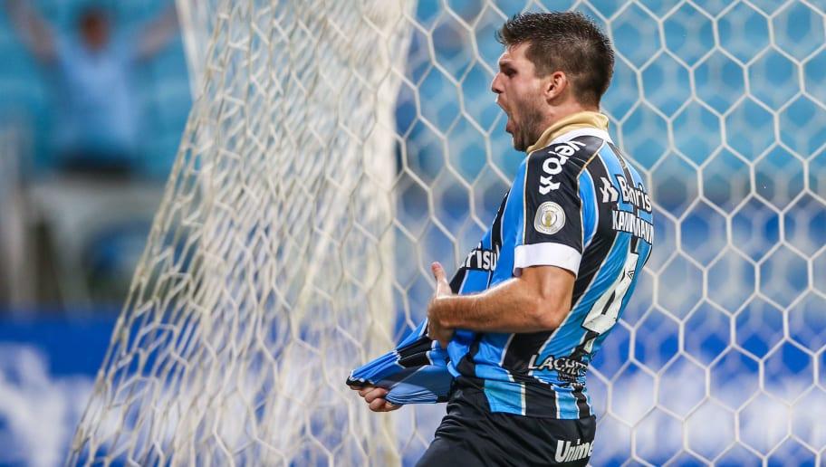 Segundo jornalista, Palmeiras abre negociação com Kannemann