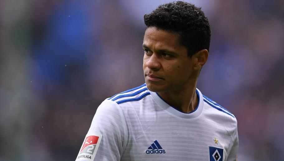 Wegen Transfer von Douglas Santos: HSV droht Rechtsstreit