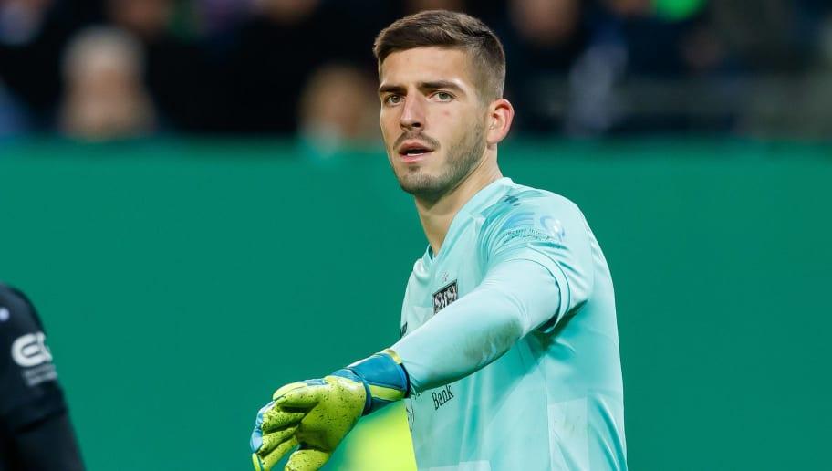 Bredlow oder Kobel - Wer wird die Nummer eins beim VfB Stuttgart?