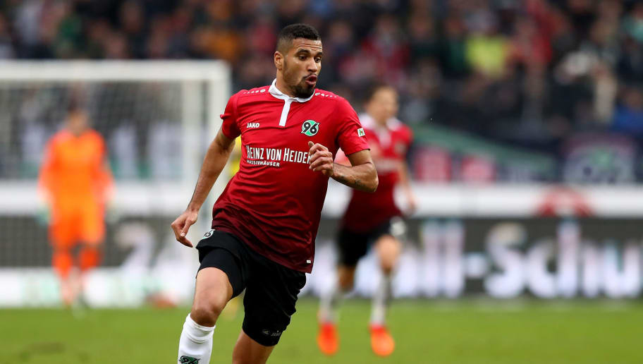 HANOVER, GERMANY - OCTOBER 28:  Jonathas de Jesus of Hannover runs with the ball during the Bundesliga match between Hannover 96 and Borussia Dortmund at HDI-Arena on October 28, 2017 in Hanover, Germany.  (Photo by Martin Rose/Bongarts/Getty Images)