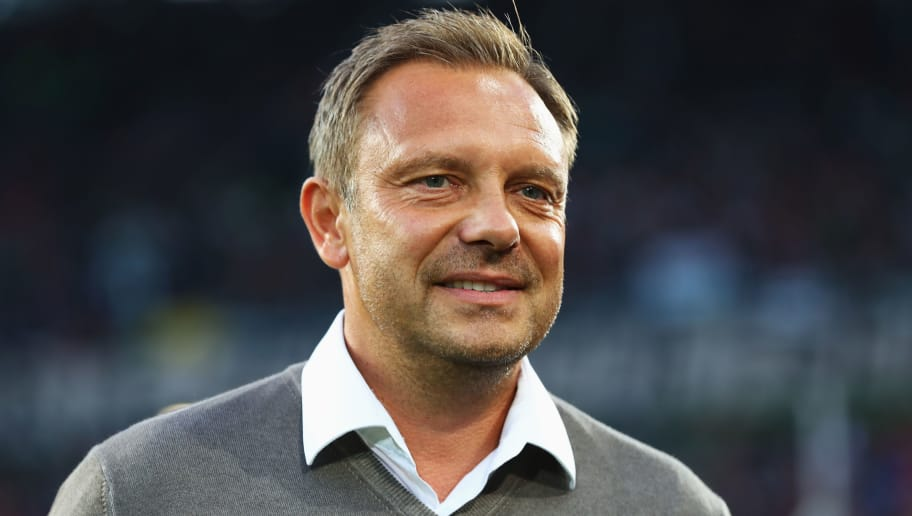 HANOVER, GERMANY - AUGUST 31:  Andre Breitenreiter, Manager of Hannover 96 looks on prior to the Bundesliga match between Hannover 96 and Borussia Dortmund at HDI-Arena on August 31, 2018 in Hanover, Germany.  (Photo by Martin Rose/Bongarts/Getty Images)