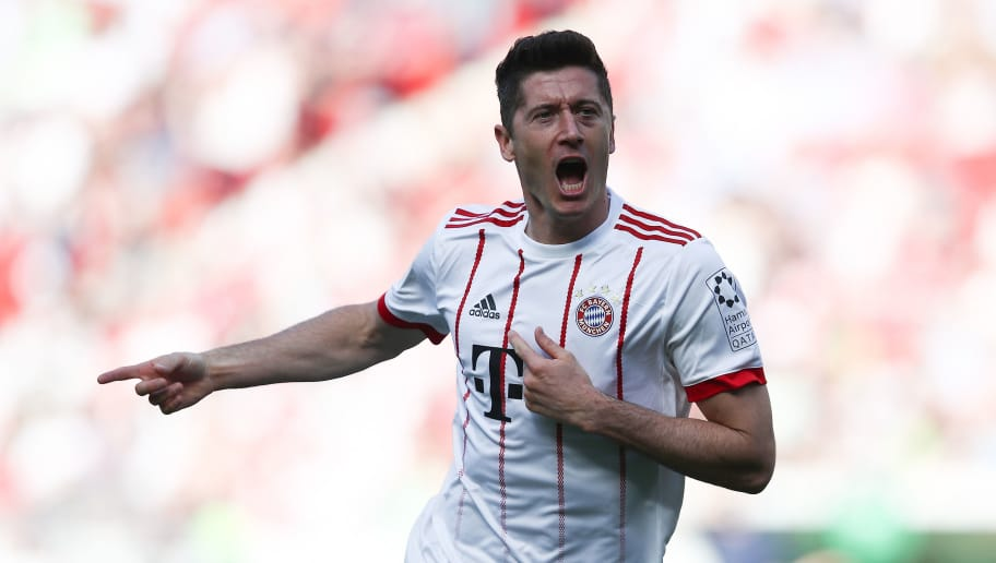 HANOVER, GERMANY - APRIL 21: Robert Lewandowski of Munich celebrate after his first goal during the Bundesliga match between Hannover 96 and FC Bayern Muenchen at HDI-Arena on April 21, 2018 in Hanover, Germany.  (Photo by Oliver Hardt/Bongarts/Getty Images)