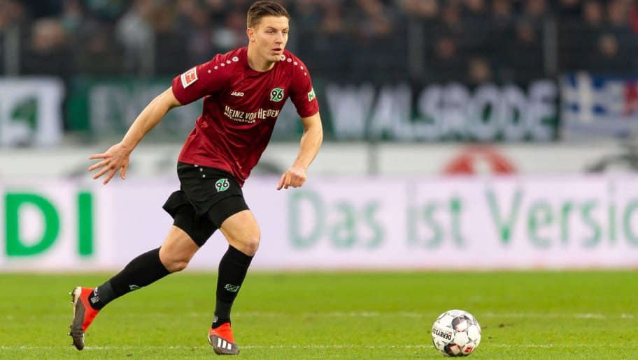 HANOVER, GERMANY - DECEMBER 15: Kevin Wimmer of Hannover controls the ball during the Bundesliga match between Hannover 96 and FC Bayern Muenchen at HDI-Arena on December 15, 2018 in Hanover, Germany. (Photo by TF-Images/TF-Images via Getty Images)