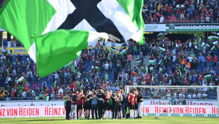 HANOVER, GERMANY - MAY 05:  The players of Hannover celebrate after the Bundesliga match between Hannover 96 and Hertha BSC at HDI-Arena on May 5, 2018 in Hanover, Germany.  (Photo by Stuart Franklin/Bongarts/Getty Images)