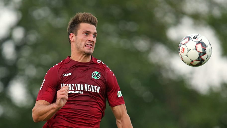 ILTEN, GERMANY - JULY 21: Hendrik Weydandt of Hannover in action during the preseason friendly match between Hannover 96 and PEC Zwolle at Wahre Dorff Arena on July 21, 2018 in Ilten, Germany. (Photo by Cathrin Mueller/Bongarts/Getty Images)