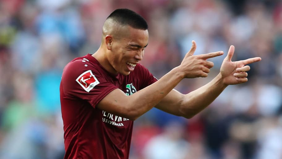 HANOVER, GERMANY - OCTOBER 06: Bobby Wood of Hannover celebrate after his second goal during the Bundesliga match between Hannover 96 and VfB Stuttgart at HDI-Arena on October 6, 2018 in Hanover, Germany. (Photo by Oliver Hardt/Bongarts/Getty Images)