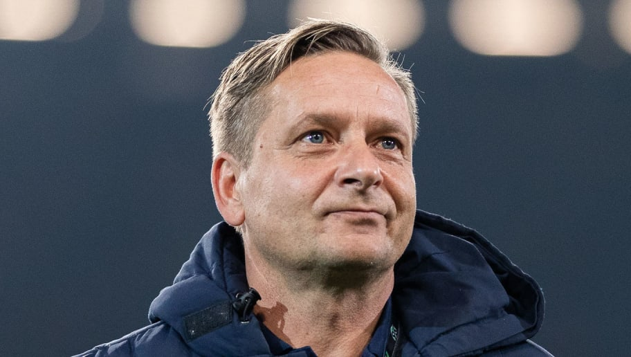 HANOVER, GERMANY - NOVEMBER 09: Horst Held, manager of Hannover 96 looks on prior to the Bundesliga match between Hannover 96 and VfL Wolfsburg at HDI-Arena on November 9, 2018 in Hanover, Germany. (Photo by Boris Streubel/Getty Images)