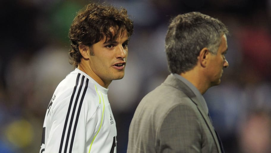 ALICANTE, SPAIN - OCTOBER 30: Pedro Leon of  Real Madrid chats with Real head coach Jose Mourinho before the La Liga match between Hercules FC and Real Madrid at Estadio Jose Rico Perez on October 30, 2010 in Alicante, Spain.  (Photo by Denis Doyle/Getty Images)