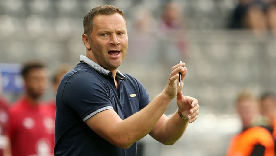 BERLIN, GERMANY - AUGUST 25:  Head coach Pal Dardai of Berlin gestures during the Bundesliga match between Hertha BSC and 1. FC Nuernberg at Olympiastadion on August 25, 2018 in Berlin, Germany. (Photo by Matthias Kern/Bongarts/Getty Images)