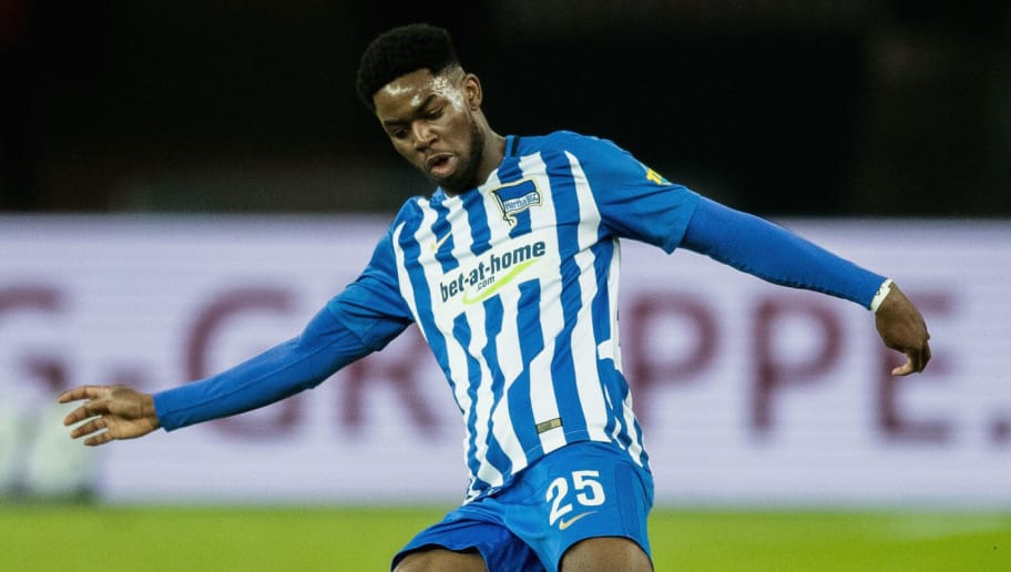 BERLIN, GERMANY - FEBRUARY 16: Jordan Torunarigha of Hertha BSC runs with the ball during the Bundesliga match between Hertha BSC and 1. FSV Mainz 05 at Olympiastadion on February 16, 2018 in Berlin, Germany.  (Photo by Boris Streubel/Getty Images)