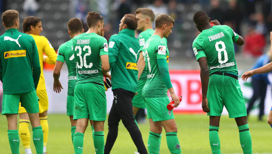 BERLIN, GERMANY - SEPTEMBER 22:  Borussia Moenchengladbach look dejected after the Bundesliga match between Hertha BSC and Borussia Moenchengladbach at Olympiastadion on September 22, 2018 in Berlin, Germany.  (Photo by Martin Rose/Bongarts/Getty Images)