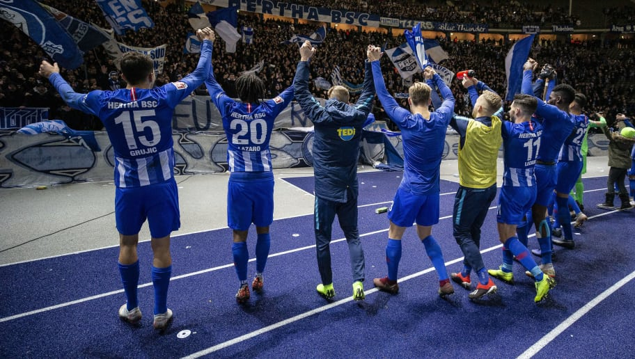 BERLIN, GERMANY - DECEMBER 08: Players of Hertha Berlin celebrate after the Bundesliga match between Hertha BSC and Eintracht Frankfurt at Olympiastadion on December 8, 2018 in Berlin, Germany. (Photo by Maja Hitij/Bongarts/Getty Images)