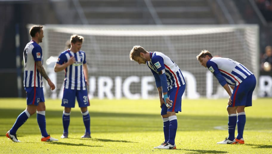 BERLIN, GERMANY - APRIL 23:  Players of Berlin look dejected after losing the Bundesliga match between Hertha BSC and FC Bayern Muenchen at Olympiastadion on April 23, 2016 in Berlin, Germany.  (Photo by Boris Streubel/Bongarts/Getty Images)