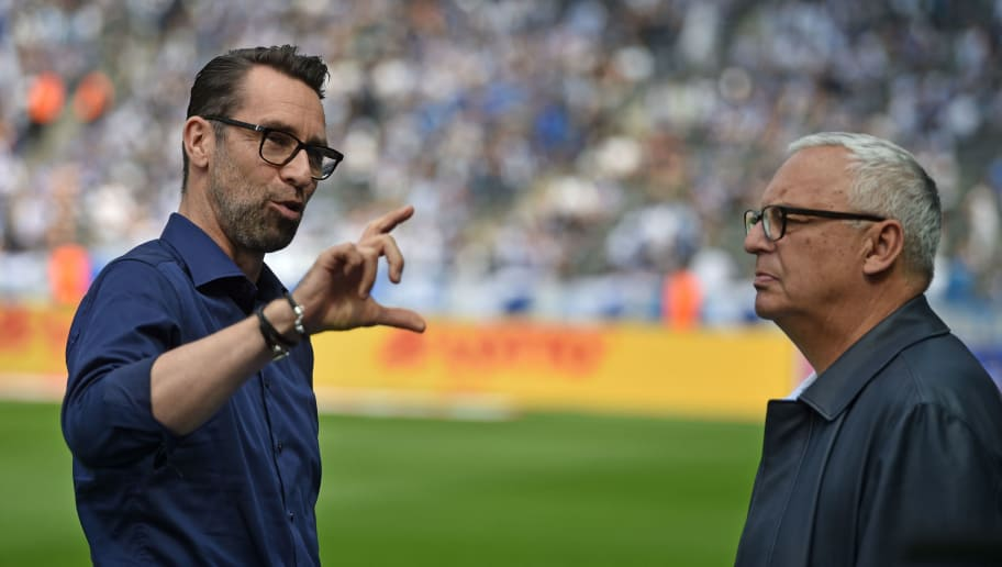 BERLIN, GERMANY - MAY 12: Manager Michael Preetz (L) of Berlin talks to president Werner Gegenbauer prior to the Bundesliga match between Hertha BSC and RB Leipzig at Olympiastadion on May 12, 2018 in Berlin, Germany. (Photo by Thomas Starke/Bongarts/Getty Images)