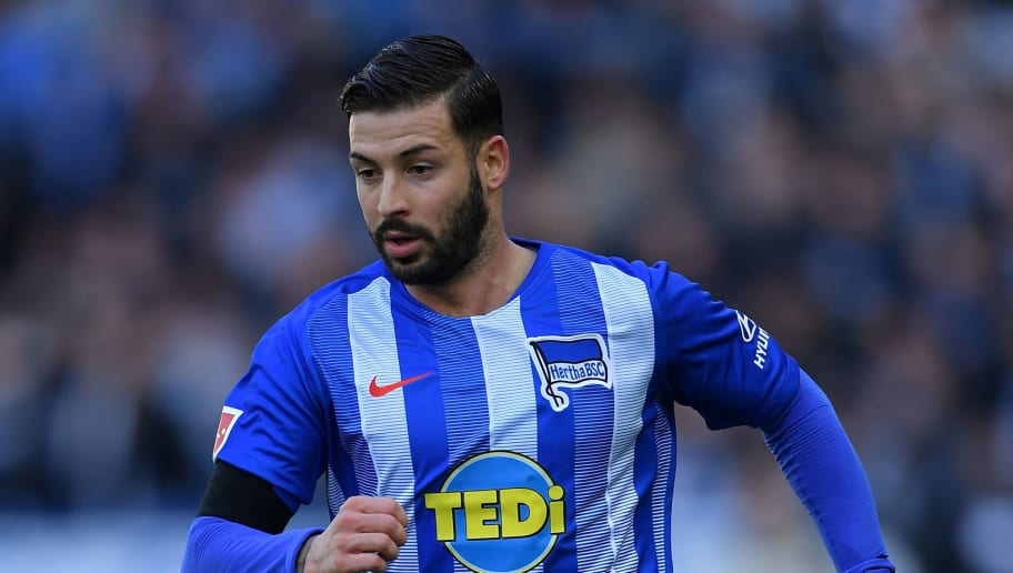 BERLIN, GERMANY - OCTOBER 21:  Marvin Plattenhardt of Berlin in action during the Bundesliga match between Hertha BSC and Sport-Club Freiburg at Olympiastadion on October 21, 2018 in Berlin, Germany.  (Photo by Stuart Franklin/Bongarts/Getty Images)