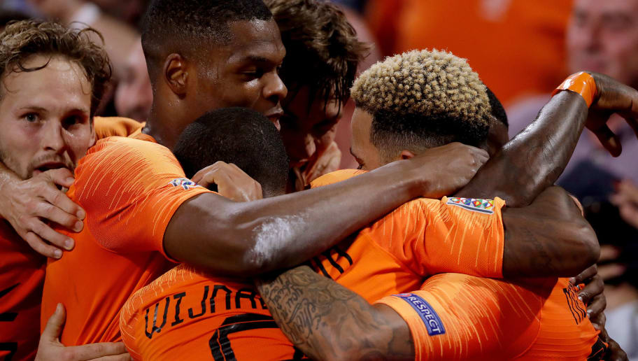 AMSTERDAM, NETHERLANDS - OCTOBER 13: Memphis Depay of Holland celebrates 2-0 with Quincy Promes of Holland, Georginio Wijnaldum of Holland, Daley Blind of Holland, Denzel Dumfries of Holland  during the  UEFA Nations league match between Holland  v Germany  at the Johan Cruijff Arena on October 13, 2018 in amsterdam Netherlands (Photo by Cees van Hoogdalem/Soccrates /Getty Images)