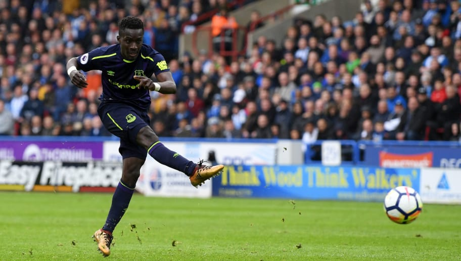 HUDDERSFIELD, ENGLAND - APRIL 28:  Idrissa Gueye of Everton shoots and scores his side's second goal during the Premier League match between Huddersfield Town and Everton at John Smith's Stadium on April 28, 2018 in Huddersfield, England.  (Photo by Shaun Botterill/Getty Images)