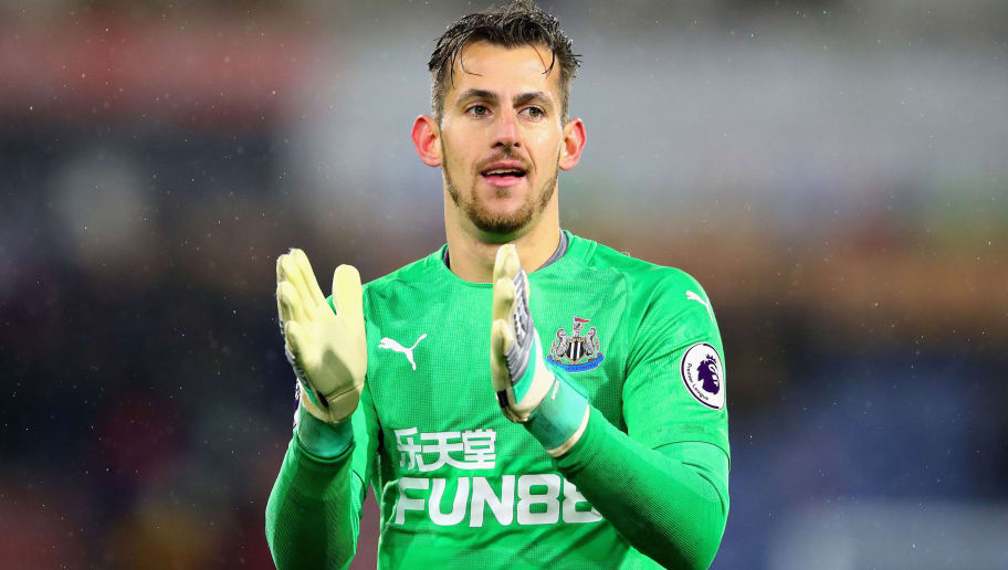 HUDDERSFIELD, ENGLAND - DECEMBER 15:  Martin Dubravka of Newcastle United applauds the crowd after the Premier League match between Huddersfield Town and Newcastle United at John Smith's Stadium on December 15, 2018 in Huddersfield, United Kingdom.  (Photo by Chris Brunskill/Fantasista/Getty Images)