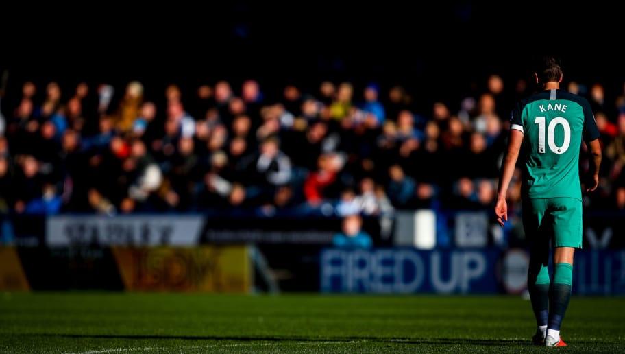 HUDDERSFIELD, ENGLAND - SEPTEMBER 29: Harry Kane of Tottenham Hotspur during the Premier League match between Huddersfield Town and Tottenham Hotspur at John Smith's Stadium on September 29, 2018 in Huddersfield, United Kingdom. (Photo by Robbie Jay Barratt - AMA/Getty Images)