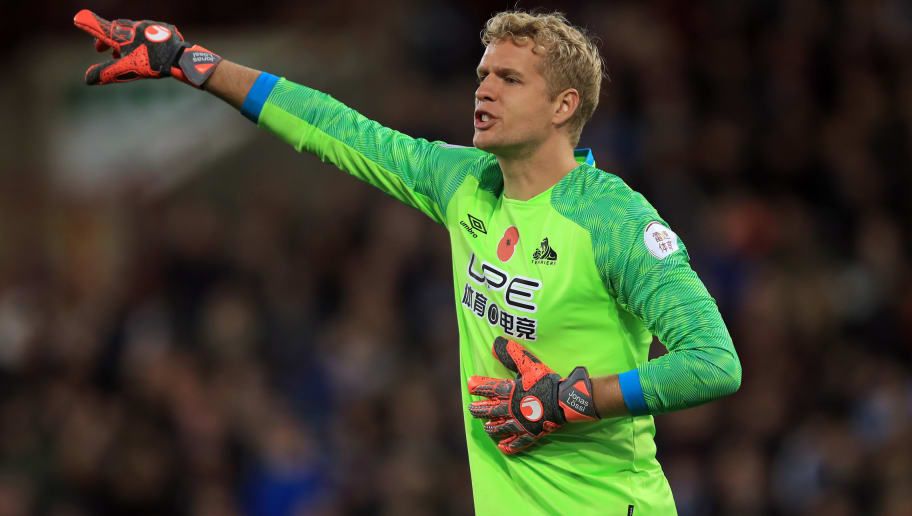 HUDDERSFIELD, ENGLAND - NOVEMBER 10: Jonas Lossl of Huddersfield Town during the Premier League match between Huddersfield Town and West Ham United at John Smith's Stadium on November 10, 2018 in Huddersfield, United Kingdom. (Photo by Marc Atkins/Getty Images)