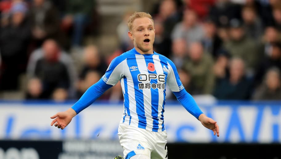HUDDERSFIELD, ENGLAND - NOVEMBER 10: Alex Pritchard of Huddersfield Town during the Premier League match between Huddersfield Town and West Ham United at John Smith's Stadium on November 10, 2018 in Huddersfield, United Kingdom. (Photo by Marc Atkins/Getty Images)
