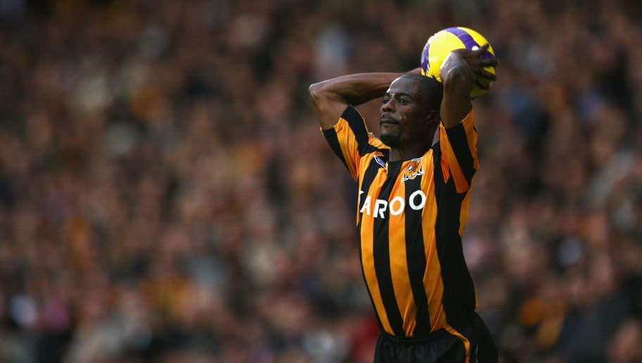 HULL, UNITED KINGDOM - NOVEMBER 08:  George Boateng of Hull City in action during the Barclays Premier League match between Hull City and Bolton Wanderers at the KC Stadium on November 8, 2008 in Hull, England.  (Photo by Laurence Griffiths/Getty Images)