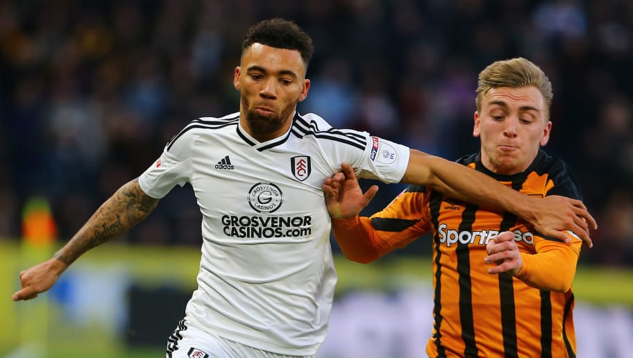 HULL, ENGLAND - DECEMBER 30: Fulhams's Ryan Fredericks battles with Hull City's Jarrod Bowen during the Sky Bet Championship match between Hull City and Fulham at KCOM Stadium on December 30, 2017 in Hull, England. (Photo by Ashley Allen/Getty Images)
