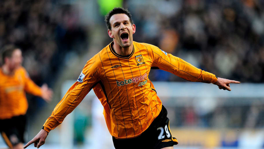 HULL, ENGLAND - JANUARY 30:  Jan Vennegoor of Hesselink of Hull City celebrates his goal during the Barclays Premier League match between Hull City and Wolverhampton Wanderers at KC Stadium on January 30, 2010 in Hull, England.  (Photo by Jamie McDonald/Getty Images)
