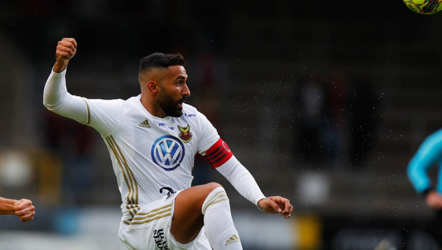 BORAS, SWEDEN - AUGUST 06: Saman Ghoddos of Ostersunds FK during the Allsvenskan match between IF Elfsborg and Ostersunds FK at Boras Arena on August 6, 2018 in Boras, Sweden. (Photo by Nils Petter Nilsson/Getty Images)