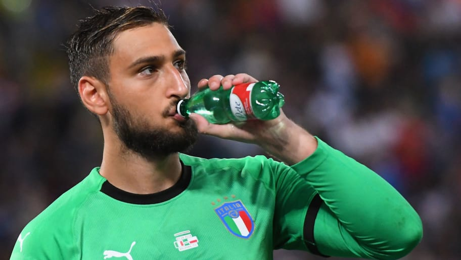 BOLOGNA, ITALY - SEPTEMBER 07:  Gianluigi Donnarumma of Italy drinks during the UEFA Nations League A group three match between Italy and Poland at Stadio Renato Dall'Ara on September 7, 2018 in Bologna, Italy.  (Photo by Alessandro Sabattini/Getty Images)