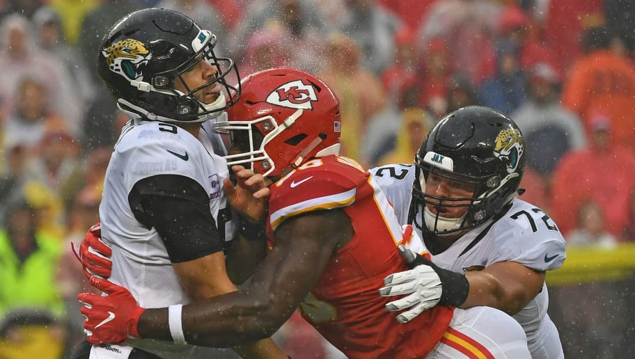 KANSAS CITY, MO - OCTOBER 07:  Linebacker Justin Houston #50 of the Kansas City Chiefs pressures quarterback Blake Bortles #5 of the Jacksonville Jaguars, during the first half on October 7, 2018 at Arrowhead Stadium in Kansas City, Missouri.  (Photo by Peter G. Aiken/Getty Images)
