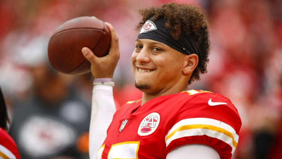 KANSAS CITY, MO - OCTOBER 07: Patrick Mahomes #15, quarterback with the Kansas City Chiefs, warmed up with passes on the sideline in the fourth quarter against the Jacksonville Jaguars at Arrowhead Stadium on October 7, 2018 in Kansas City, Missouri. (Photo by David Eulitt/Getty Images) ***Patrick Mahomes***