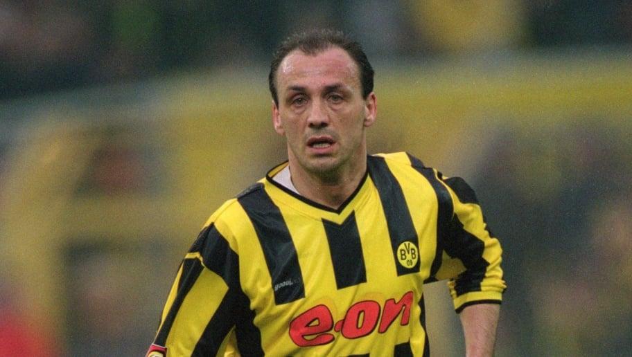17 Mar 2001:  Jurgen Kohler of Borussia Dortmund on the ball during the Bundesliga match against Bayer Leverkusen at the Westfalenstadion in Dortmund, Germany.  \ Mandatory Credit: Stuart Franklin /Allsport