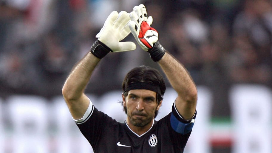Juventus' goalkeeper Gianluigi Buffon ce...
