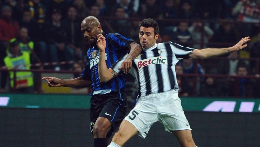 Juventus' midfielder Michele Pazienza (R
