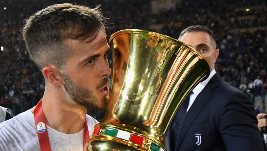 ROME, ITALY - MAY 09:  Miralem Pjanic of Juventus'ncelebrates the victory after the TIM Cup  Final between Juventus and AC Milan at Stadio Olimpico on May 9, 2018 in Rome, Italy.  (Photo by Alessandro Sabattini/Getty Images)