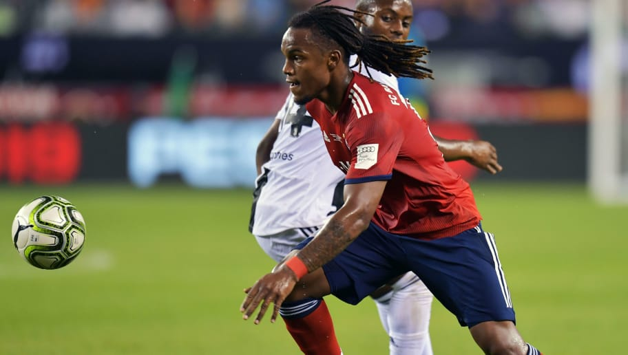 PHILADELPHIA, PA - JULY 25: Renato Sanches #35 of Bayern Munich plays the ball during the game against the Juventus during the International Champions Cup 2018 match between Juventus and FC Bayern Munich at Lincoln Financial Field on July 25, 2018 in Philadelphia, Pennsylvania. (Photo by Drew Hallowell/Getty Images)