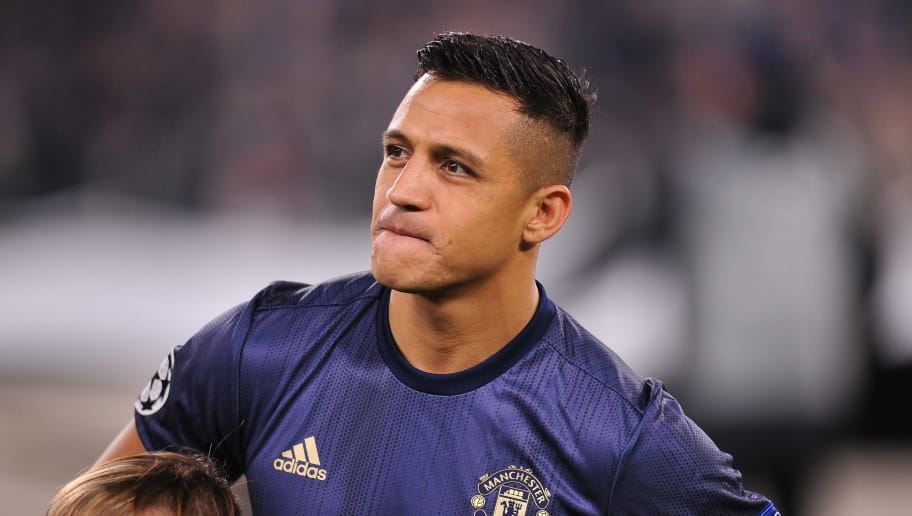 TURIN, ITALY - NOVEMBER 07: Alexis Sanchez of Manchester United looks on during the Group H match of the UEFA Champions League between Juventus and Manchester United at  on November 7, 2018 in Turin, Italy. (Photo by Norbert Barczyk/PressFocus/MB Media/Getty Images)