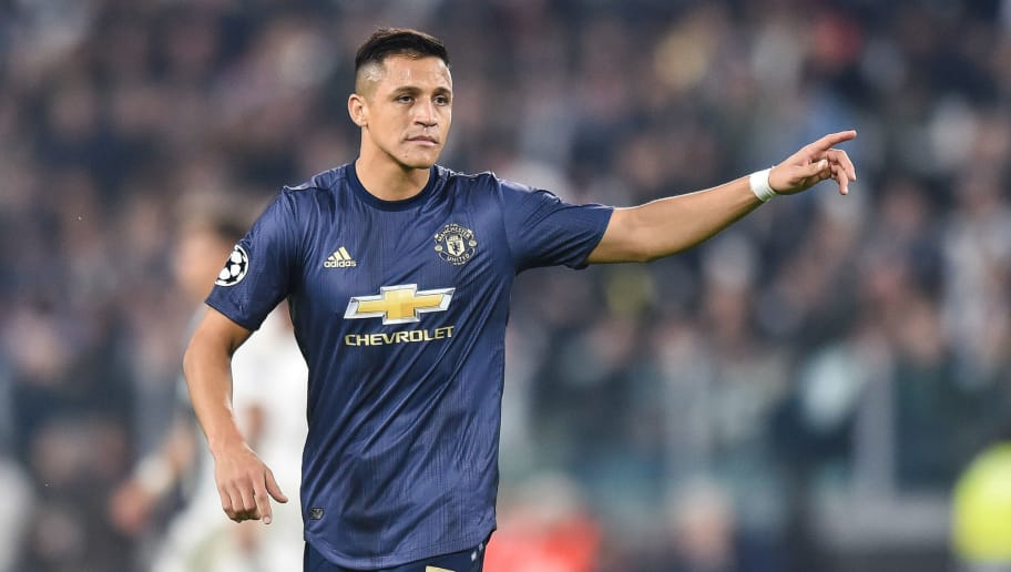 TURIN, ITALY - NOVEMBER 07: Alexis Sanchez of Manchester United gestures during the Group H match of the UEFA Champions League between Juventus and Manchester United at Juventus Stadium on November 7, 2018 in Turin, Italy. (Photo by Lukasz Laskowski/PressFocus/MB Media/Getty Images)