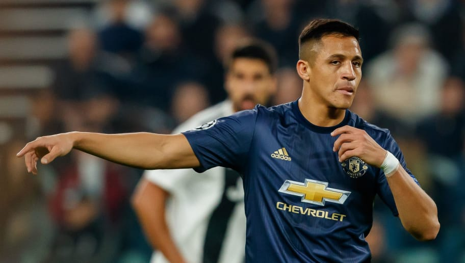 TURIN, ITALY - NOVEMBER 07: Alexis Sanchez of Manchester United gestures during the Group H match of the UEFA Champions League between Juventus and Manchester United at  on November 7, 2018 in Turin, Italy. (Photo by TF-Images/Getty Images)