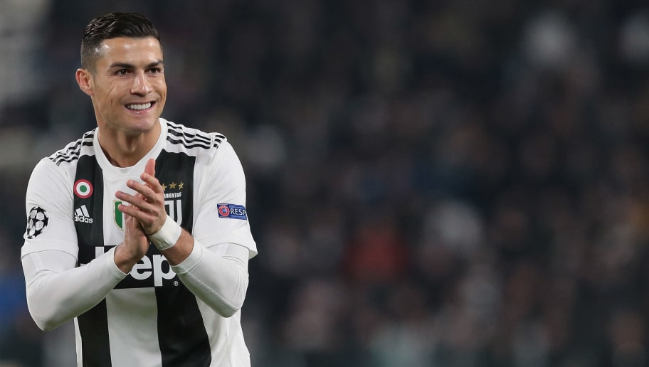 TURIN, ITALY - NOVEMBER 27:  Cristiano Ronaldo of Juventus applaudes during the Group H match of the UEFA Champions League between Juventus and Valencia at Allianz Stadium on November 27, 2018 in Turin, Italy.  (Photo by Emilio Andreoli/Getty Images)