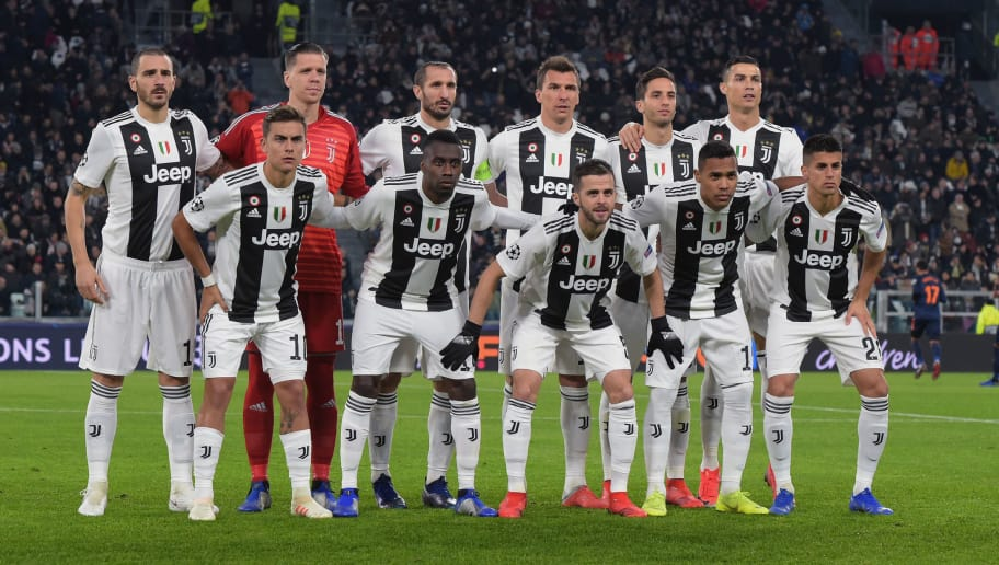 TURIN, ITALY - NOVEMBER 27:  Juventus Team pose during the Group H match of the UEFA Champions League between Juventus and Valencia at  on November 27, 2018 in Turin, Italy.  (Photo by Pier Marco Tacca/Getty Images)